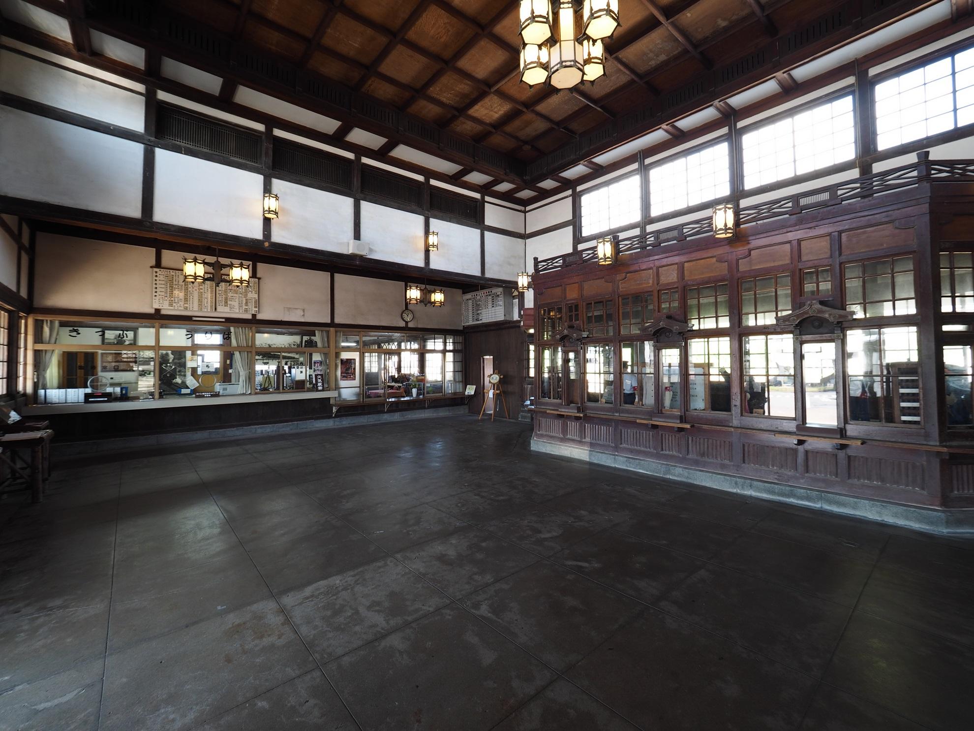 旧大社駅待合室