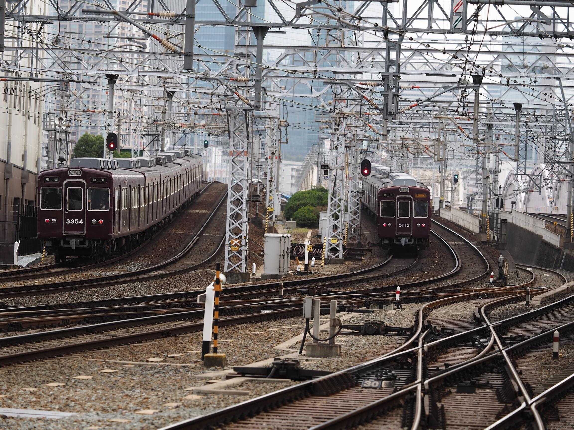阪急-十三駅4