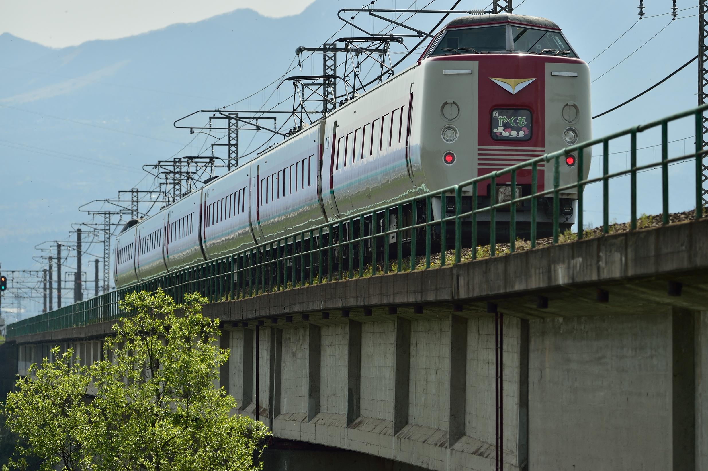日野川橋梁 381系3